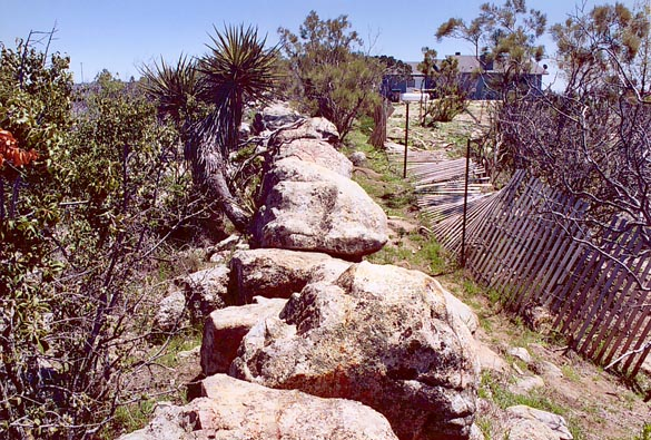Large pegmatitic dike in Turner Ranch, in the Tierra del Sol watershed.