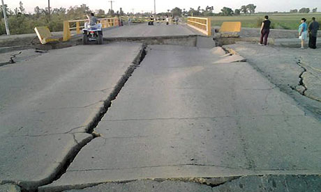;Structural damage to road and bridge approach in Mexicali,as a result of the April 4, 2010 earthquake.
