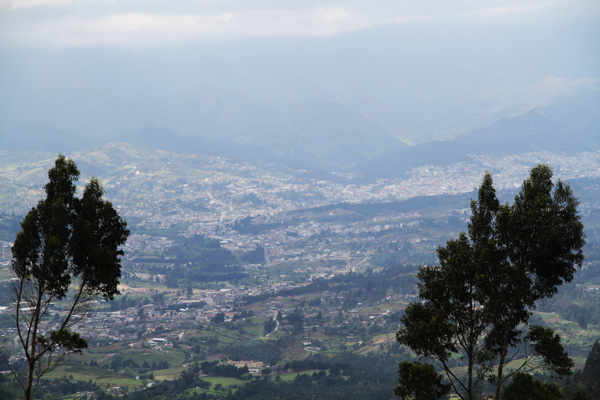 Lateral view of the Loja valley.