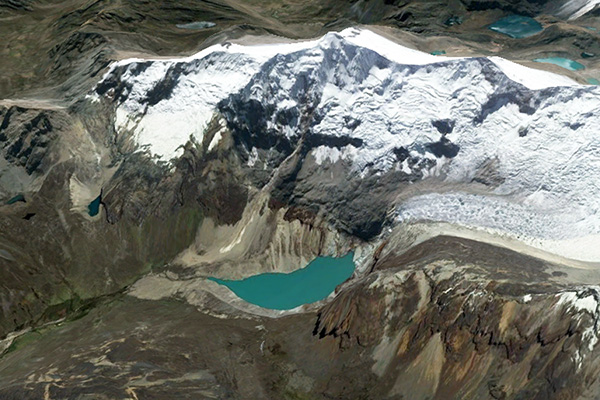 Alpamayo Glacier and Lake Jankarurish